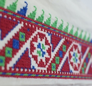 Изработване на бродерия и печат върху скроени детайли 19